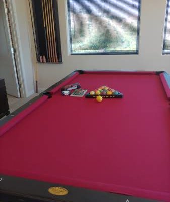 Pool Table 2007 Olhausen- Full Size, Like New (SOLD)